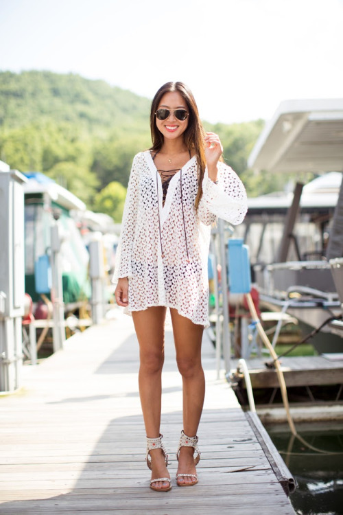 What to Wear to the Beach: 18 Stylish Outfit Ideas