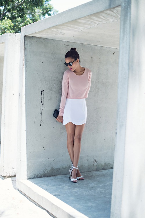 20 Minimalist Outfits to Copy this Sumer for Chic Look