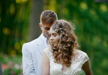 15 Amazing Hairstyle Ideas for Romantic Bridal Look -