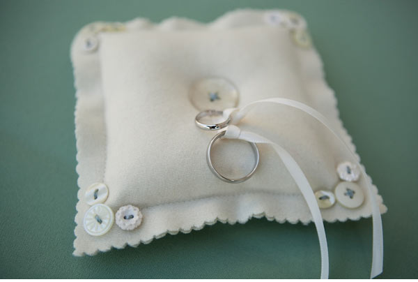 Ideas For Ring Pillows: 16 Creative DIY Ring Bearer Pillow Ideas   Style Motivation,