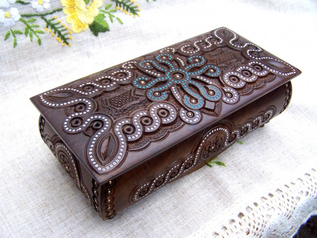 16 Unique Handmade Jewelry Boxes For Elegant Jewelry Storage And Display (10)