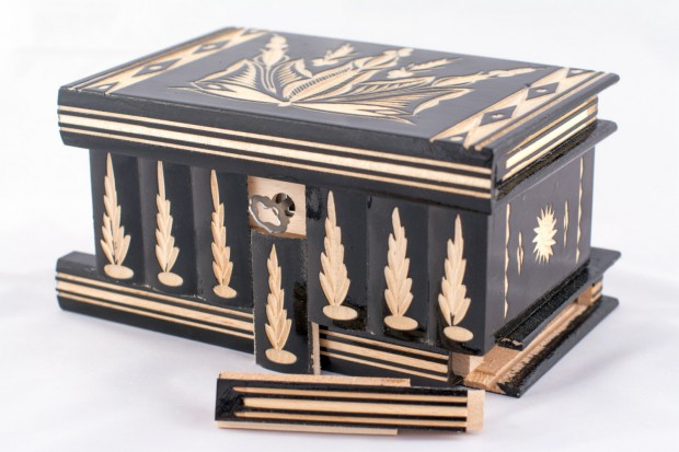 16 Unique Handmade Jewelry Boxes For Elegant Jewelry Storage And Display (7)
