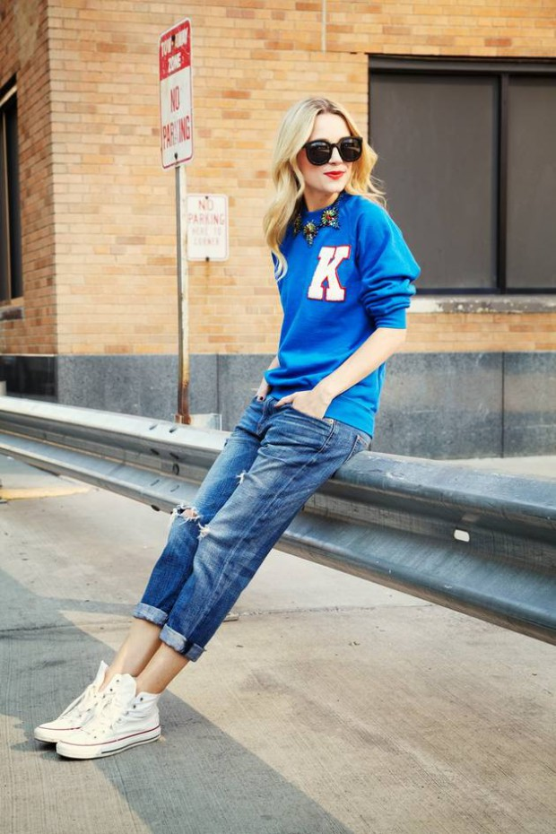 15 Cute Outfits To Wear With Sneakers