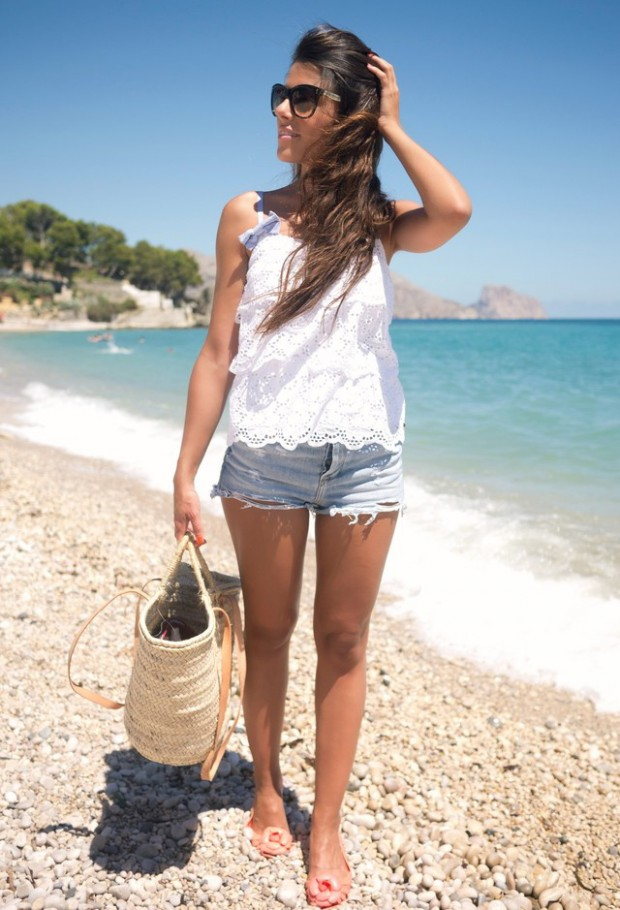 What to Wear to The Beach: 20 Gorgeous Looks to Inspire You