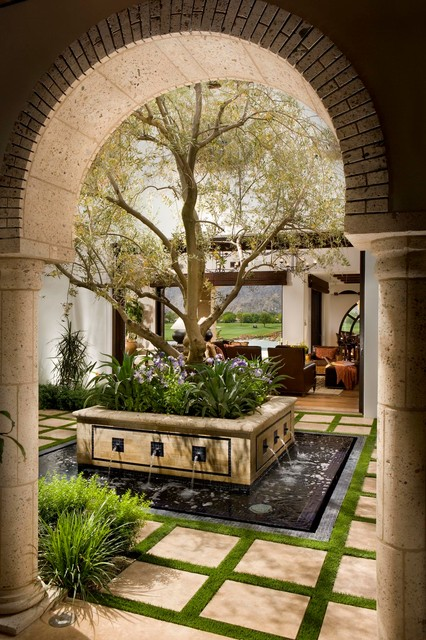 20 Exquisite Outdoor Areas with Water Fountains