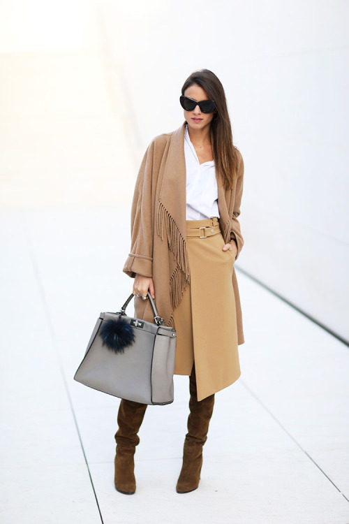 17 Classy Outfit Ideas With Scarves