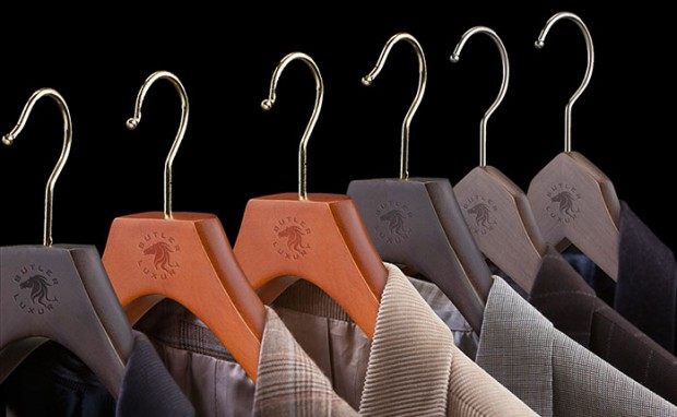 Why You Need Luxury Suit Hangers in your Closet
