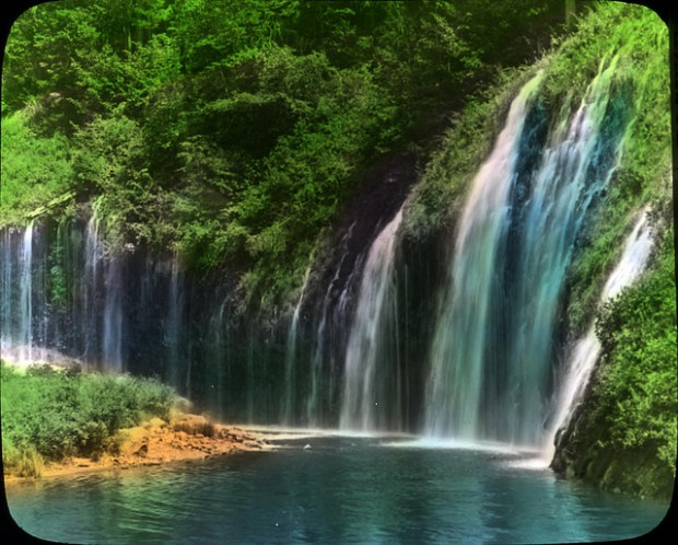 10 Beautiful Waterfalls Worth Visiting
