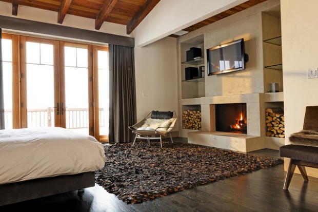 17 Impressive Master Bedrooms with Fireplaces