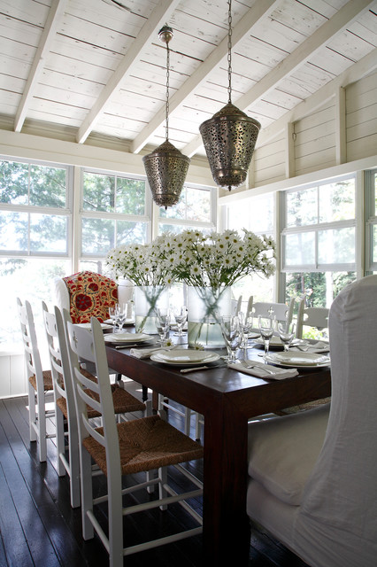 How To Decorate With Lanterns: 21 Interior Design Ideas