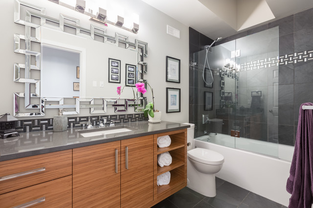 10 magnificent bathroom designs with stunning mirrors for Bathroom designs exeter