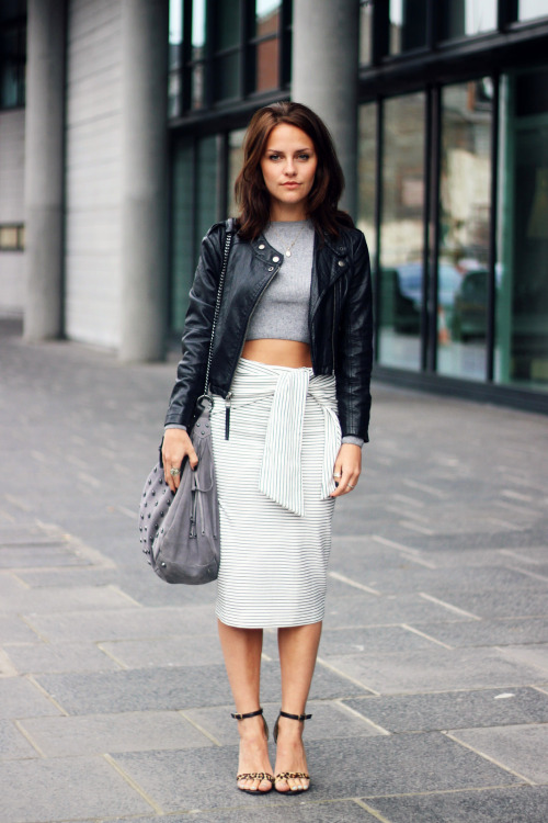 22 Pencil Skirt Outfit Ideas Perfect For Fall Season