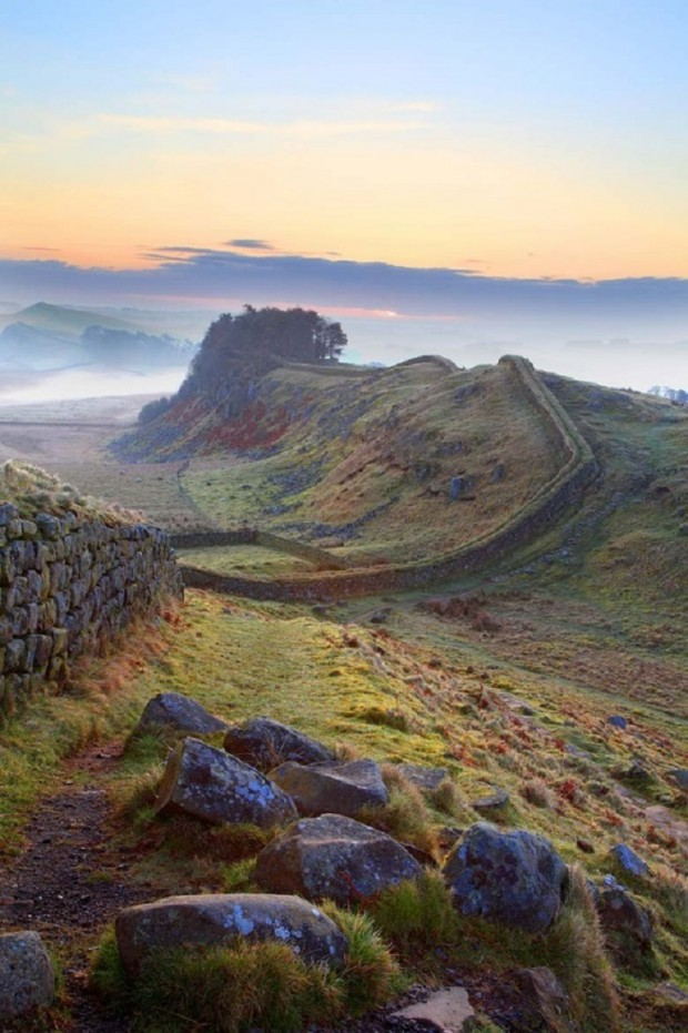 10 Incredibly Beautiful Places To Visit when You Go  To United Kingdom