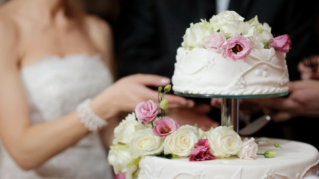 10 Tips for Saving Money on Your Big Day