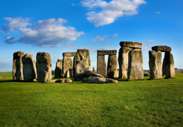 Why You Should Visit Stonehenge While in the UK - visit, travel, Stonehenge, Southern England, places, Merlin, Aurelius Ambrosius