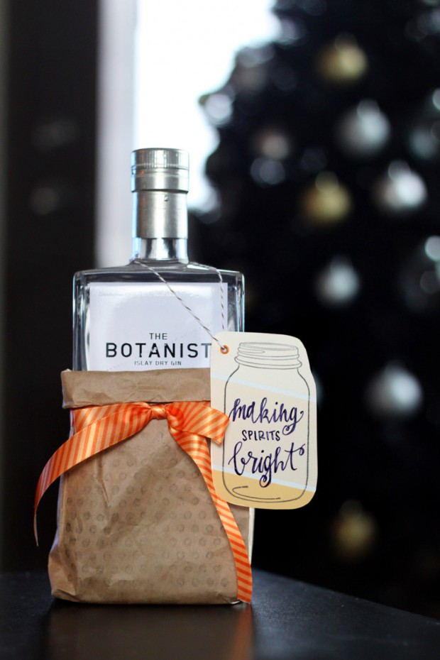 18 Unique Ways to Gift Wrap Wine This Holiday Season