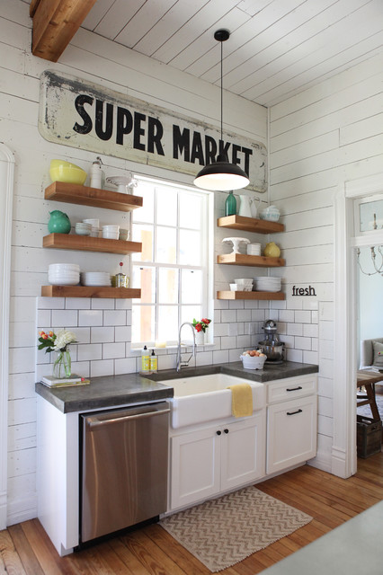21 Chic and Vintage Decoration Ideas with Signs