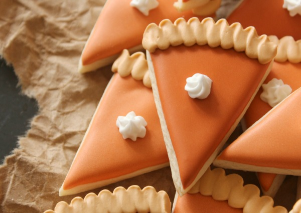 Festive and Tasty: 15 Cute Thanksgiving Dessert Recipes