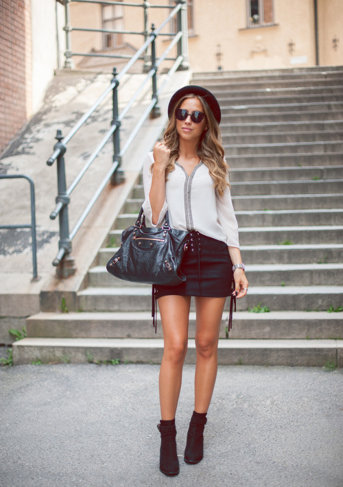 Statement Bag for Complete Look   18 Great Outfit Ideas