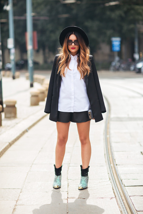 20 Stylish Ideas How to Wear Mini Skirt This Fall