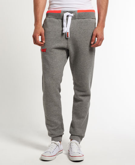 15 Designs of Joggers For Men That Can Be Worn Pretty Much Anywhere (13)