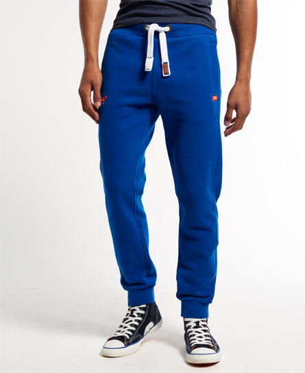 15 Designs of Joggers For Men That Can Be Worn Pretty Much Anywhere (2)