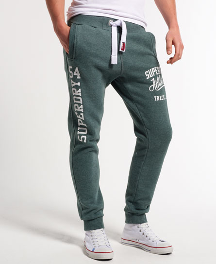 15 Designs of Joggers For Men That Can Be Worn Pretty Much Anywhere (4)