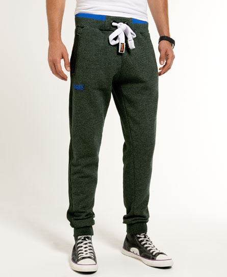 15 Designs of Joggers For Men That Can Be Worn Pretty Much Anywhere (8)