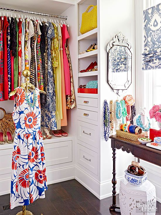 chic-walk-in-closets-jewelry-table