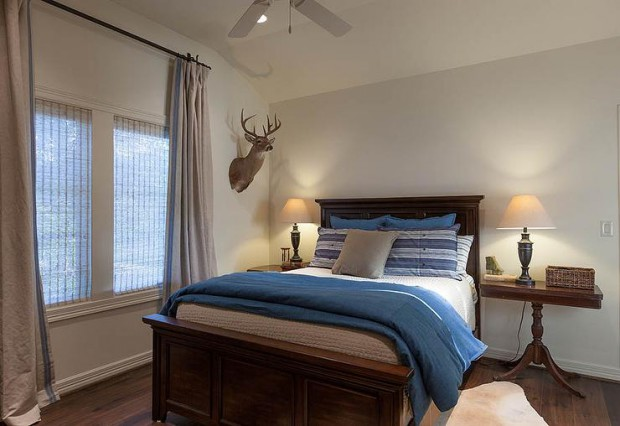 cottage-boys-bedroom-mismatched-nightstands-kids-bed-with-footboard