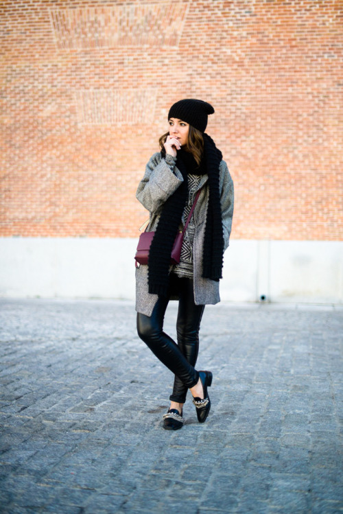 17 Stylish Outfit Ideas with Grey Coat Perfect for This Season