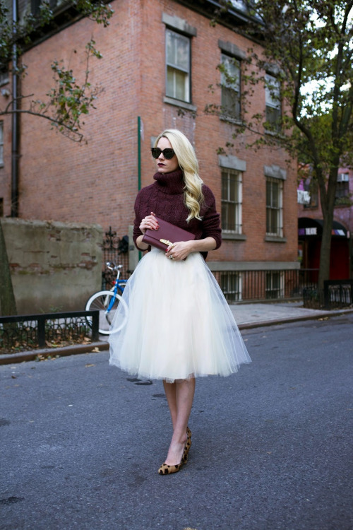 17 Cute Skirt and Sweater Street Style Combinations