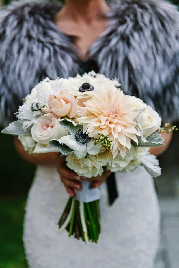 16 Beautiful Ideas for Your Winter Wedding Bouquet