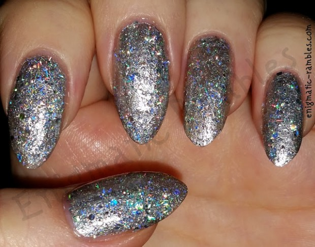 20 Gorgeous Glitter Nail Art Ideas Perfect for Party Season