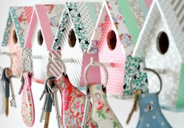 Get Organized: 15 Creative DIY Key Holder Ideas - organized, organize, keys, key hook, key holders, key holder, key, ideas, idea, hey hooks, get organized, DIY key holders, DIY key holder, DIY ideas, DIY idea, diy, creative, crafts, craft