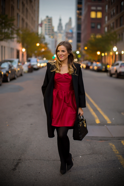 18 Chic and Romantic Valentines Day Outfits No Matter What Your Plans Are