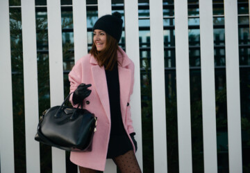 20 Street Style Outfits with Coats in Pastel and Bright Colors for the Last Days of Winter - winter street style, street style ideas, pastel colors, pastel coats, coat winter outfit ideas, coat and sneakers outfit ideas, bright colors