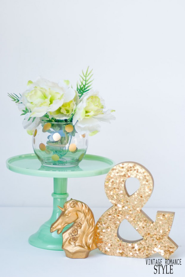 Welcome The Spring With These 18 Chic DIY Flower Vases