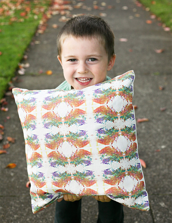 LINCOLN_HOLDING_PILLOW_1024x1024