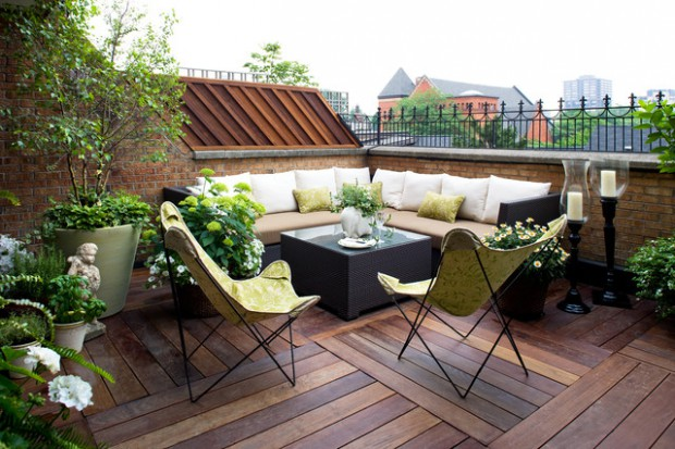 18 Colorful and Bright Balcony Decorating Ideas with Flowers