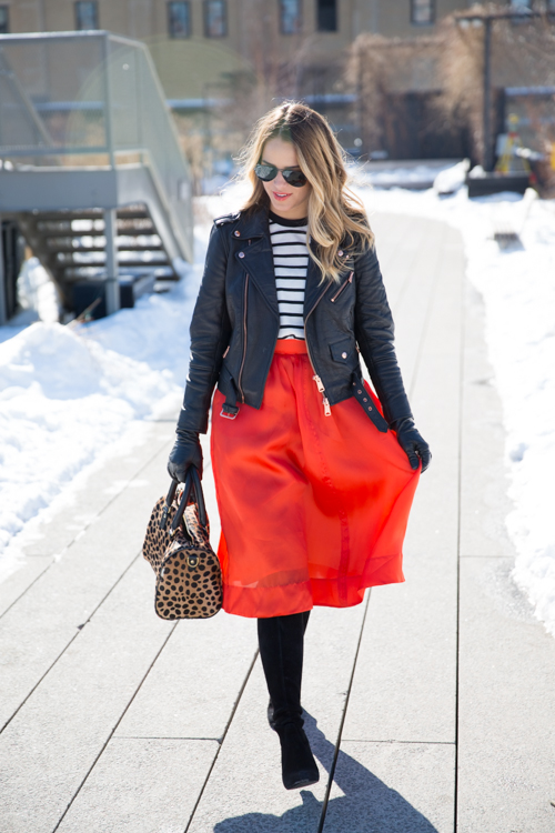 20 Chic Street Style Ways to Wear Midi Skirt This Season