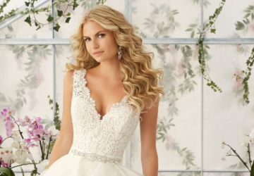 15 Gorgeous Wedding Dresses for Spring 2016 - wedding dress, spring wedding dress, spring wedding, elegant wedding dresses, classic wedding dresses