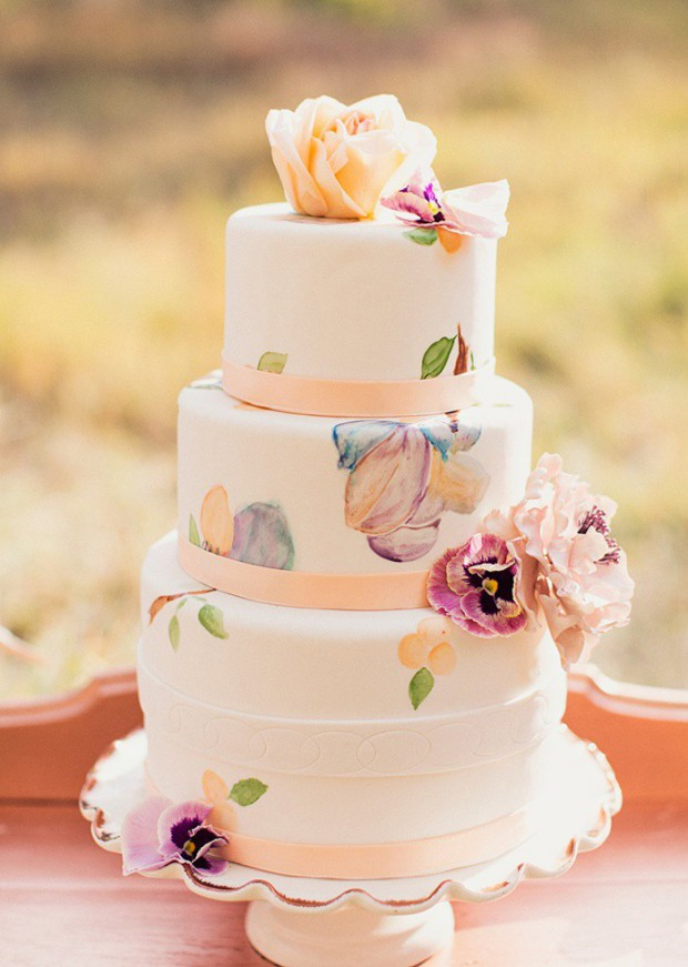 15 Lovely Spring Wedding Cake Decorating Ideas