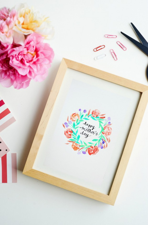 17 Lovely and Easy to Make Mother's Day Crafts
