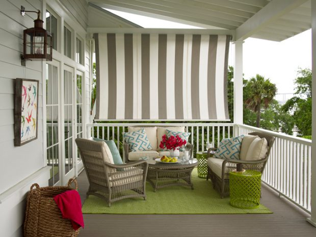 Upstairs_Porch-088766