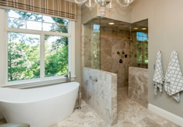 22 Stunning Bathroom Design Ideas with Walk-In Shower - walk-in shower bathroom, walk-in shower, walk in, shower design ideas, Bathroom Design Ideas