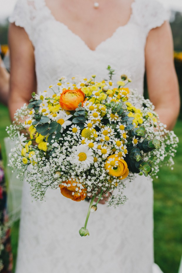 17 Romantic Spring Bridal Bouquets