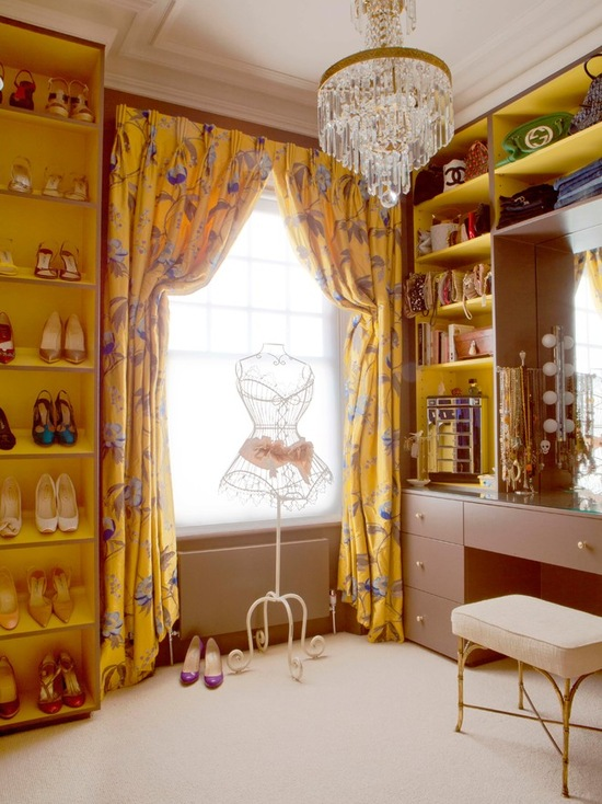 16 Lovely Dressing Room Vanity Design Ideas