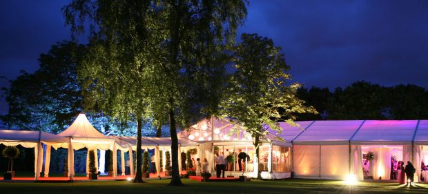 7 Factors to Consider When Hiring a Marquee