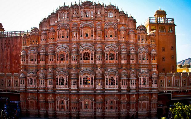 11 Beautiful Places to Visit When You Travel to India